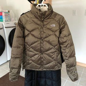 The North Face 550 Goose Down Puffer Coat
